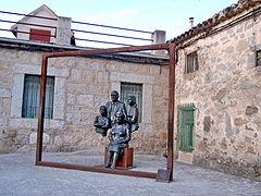 Torrelodones. Escultura Retrato de los Abuelos.jpg