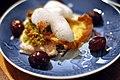 Torsk med baconsauce, rødbeder, kartoffelchips og peberrodsskum (5317706524).jpg