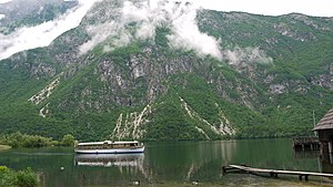 Turist ship at Lake Bohinj.jpg