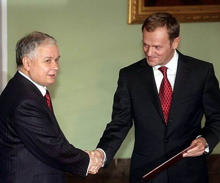 President Lech Kaczynski (left) and Prime Minister Donald Tusk (right), seen during Tusk's oath of office in November 2007. Frequent disputes between the two leaders characterized Polish politics between 2007 and 2010. Tusk L Kaczynski 2007.jpg