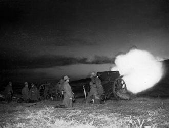 Type 91 10 cm howitzer - Night practice shooting at Fuji training ground