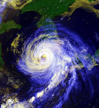 1995 Pacific typhoon season - Image: Typhoon Faye hitting Korea peninsula 19950723