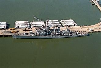 Naval Weapons Station Yorktown - Image: USS Dahlgren (DDG 43) at NWS Yorktown 1990