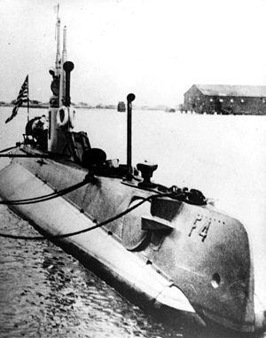 USS F-4 (SS-23)