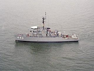 USS <i>Fortify</i> (AM-446)