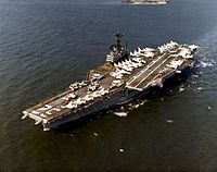 USS Independence (CVA-62) underway at sea, circa in 1971 (NH 97714-KN).jpg