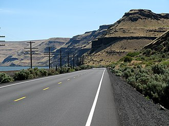 U.S. Route 730 - Looking east on US 730 as it travels along Lake Wallula in Oregon, approaching the state border with Washington