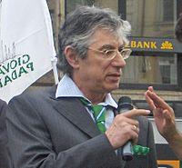 Umberto Bossi ad una manifestazione del Movimento Giovani Padani il 20 maggio 2006