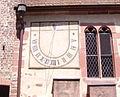 Vituskirche Handschuhsheim Sonnenuhr.JPG