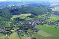 """Vue générale du site de hauteur fortifié du """"Kastelberg"""" sur les premiers contreforts du Jura à Mœrnach (Haut-Rhin) (Photo J. Ehret)..JPG"""