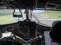 Vue intérieure du cockpit au décollage de Ua Pou (îles Marquises).jpg