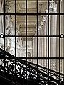 Vue sur le péristyle de Deglane de la façade du Grand Palais, Paris 2012.jpg