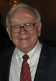 Warren Buffett with Fisher College of Business Student - 4395161160 (cropped).jpg
