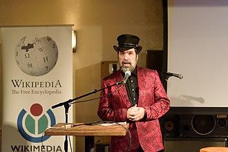 Jason Scott - Scott delivering a presentation at a Wikipedia conference in 2018.