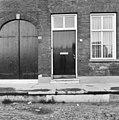 Wilhelminaplein 1, deur en ramen van voorgevel - Heusden - 20111913 - RCE.jpg