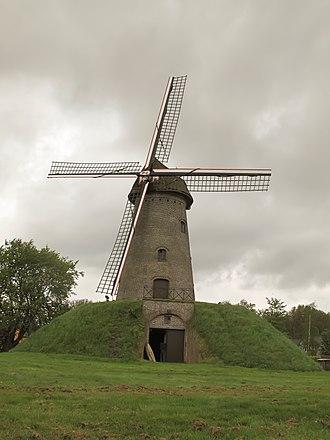Evergem - Image: Wippelgem, de Gerardsmolen oeg 87626 foto 2 2013 05 13 11.39