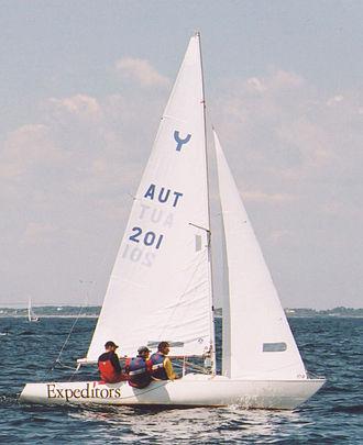Boat sharing - Yngling sailing boat