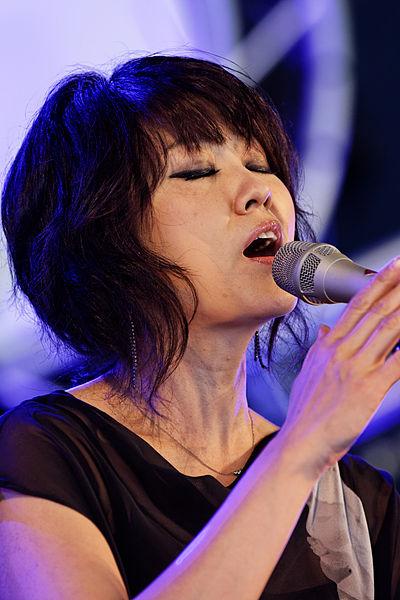 File:Youn Sun Nah Quartet - Festival du Bout du Monde 2012 - 005.jpg