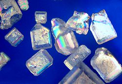 Suikerkristalle onder die polarisasie-mikroskoop. vergroting: x150