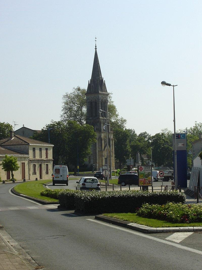 Centre-ville et église.