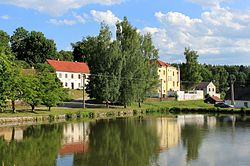 Člunek, Lomy, common pond.jpg