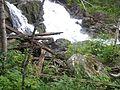 Старые жернова у водопада - panoramio.jpg