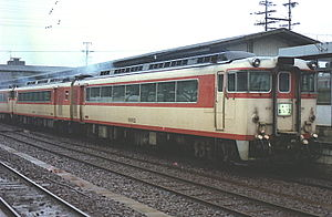 Meitetsu KiHa 8000 series - Image: 急行北アルプス号美濃太田駅