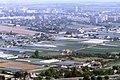 091L03310782 Blick vom Donauturm, Blick Richtung Kagran, Bereich Mühlschüttl, Gärtnerein, Bildmitte ehemalige Seilerei an der Donaufelderstrasse.jpg