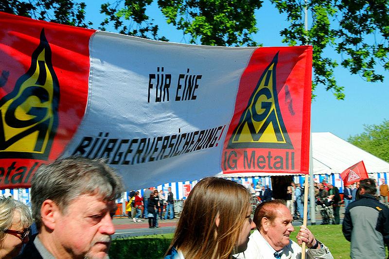 File:1. Mai 2011 Hannover Klagesmarktkreisel Transparent Banner IG Metall Für eine Bürgerversicherung.jpg