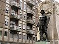 142 Monument als Caiguts, estàtua de guerrer bruci.jpg