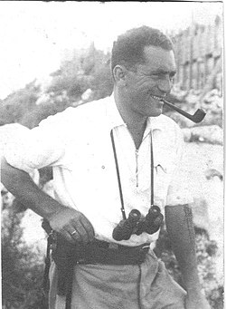 1938 - zvi standing at his battle position in chanita.jpg
