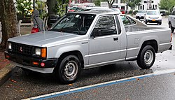 1992 Mitsubishi Mighty Max base front.jpg