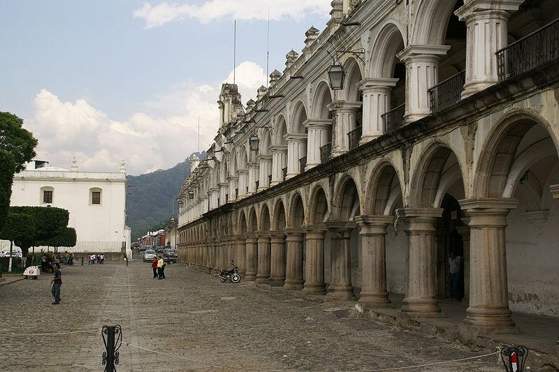 File:2010.05.13.151324 Palacio de Los Capitanes Antigua Guatemala.jpg