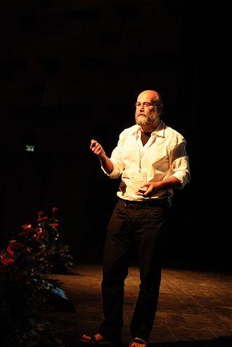 The Wealth of Networks - 2011-08 Haifa Wikimania Yochai Benkler DSCF6547