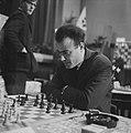 26e Hoogovenschaaktoernooi te Beverwijk, M G Bobotsov (Bulgarije) in zijn part, Bestanddeelnr 915-9227.jpg
