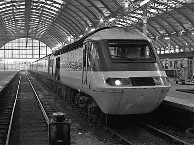 An InterCity 125 train at Hull Paragon station in 1982. The InterCity 125 is the world's fastest diesel train. 43104 in Hull station.jpg