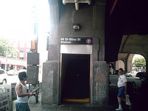46th Street–Bliss Street (IRT Flushing Line) - Entrance from street