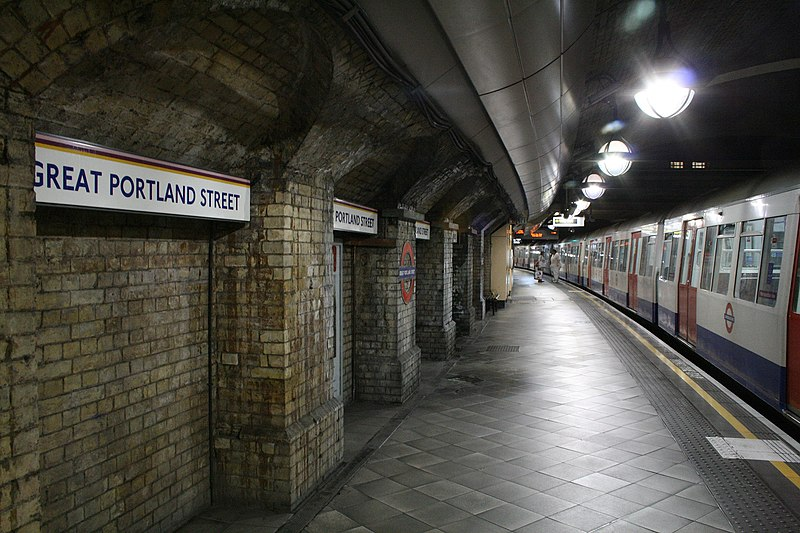 File:A quiet pause at Great Portland Street, alight for Regent's Park. - panoramio.jpg