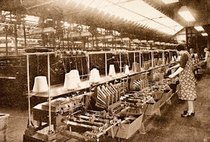 Blarney Woollen Mills - A spinning machine in use at the Mill