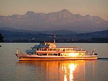 Abendschiff vor dem Säntis-Massiv.JPG