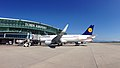 Airbus A320 of Lufthansa with sharklets (D-AIZS).jpg