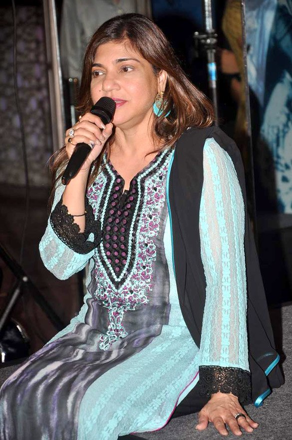 Alka Yagnik at %27Mother Maiden Mistress%27 book launch (15)