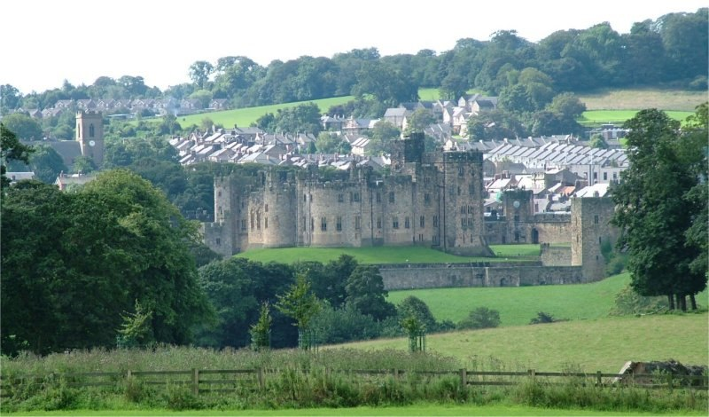Alnwick and Alnwick Castle - Northumberland - 140804