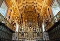 Altar area of Porto Cathedral, Sé do Porto.jpg