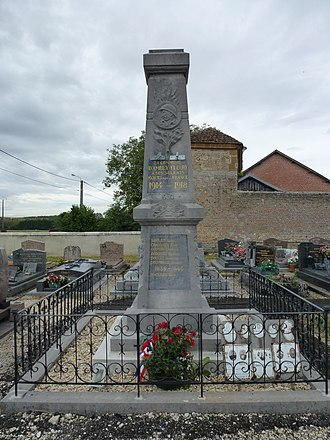Ambly-Fleury - Image: Ambly Fleury (Ardennes) monument aux morts