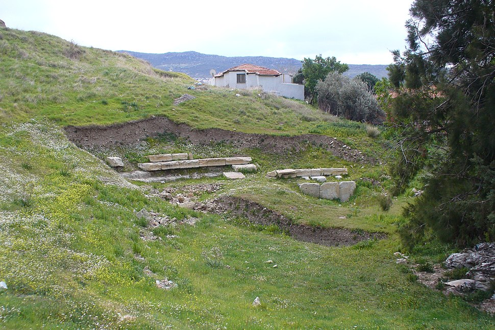 Ancient theatre Foça525