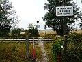 Aqueduc de l'Avre, traversée de la voie ferrée - panoramio.jpg