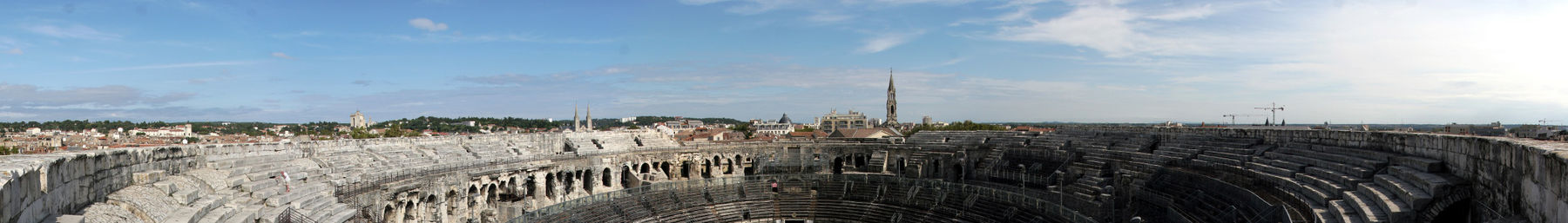 N mes wikivoyage for Nimes france code postal