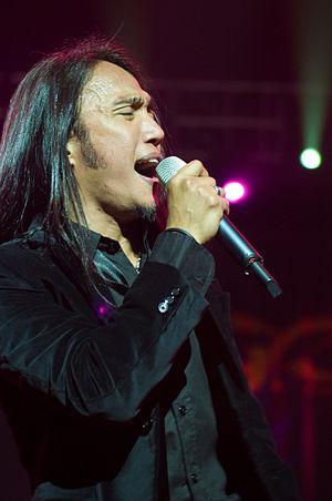 Arnel Pineda - Arnel Pineda of Journey performing in Macau, March 20, 2009