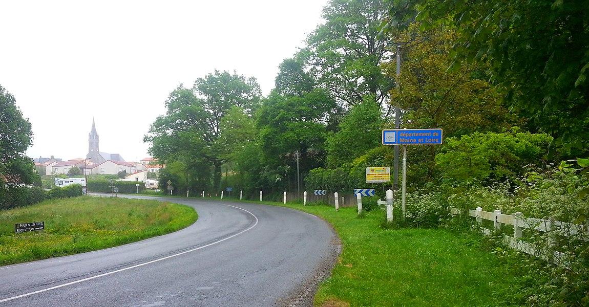 Arrivée en Maine-et-Loire (France), à Torfou.
